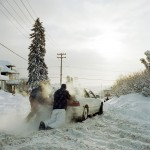 pushing-car-blizzard_1000